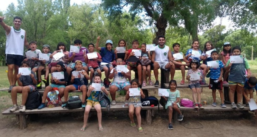 100 niños y niñas participaron de la primera semana de la colonia de vacaciones.