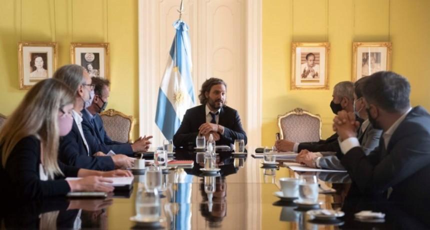 El jefe de Gabinete de Ministros de la Nación, Santiago Cafiero, encabezó en el Salón de los Científicos de la Casa Rosada, un nuevo encuentro del Gabinete de Planificación Urbana y Hábitat.