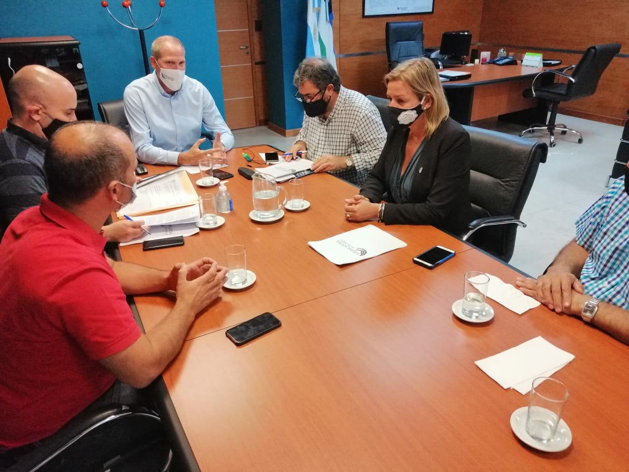 Representantes de todos los bloques se reunieron con Palmieri.