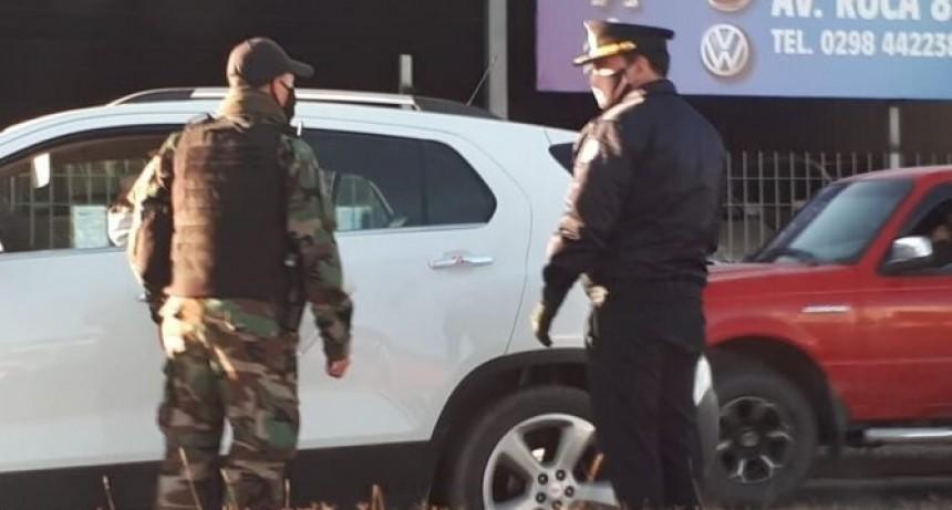 El Jefe de Policía continúa acompañando a los efectivos de Roca y Cervantes