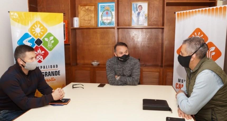 Campo grande: en la mañana de hoy recibieron al Ministro de Producción y Agroindustria de la provincia Carlos Banacloy y el secretario de Fruticultura, Facundo Fernández