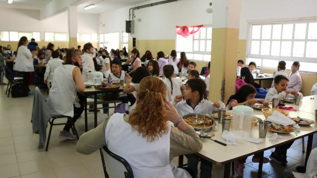 Educación y Municipio: trabajo conjunto para un servicio de calidad para estudiantes viedmenses