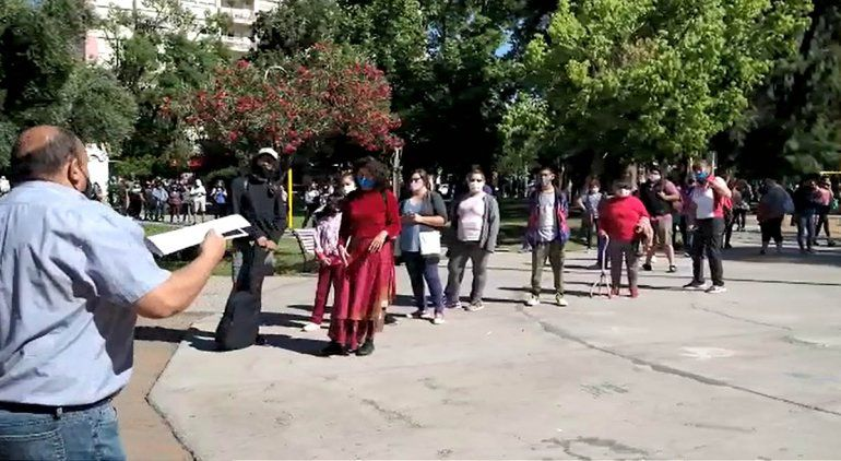 Cientos de cipoleños buscaron sus lentes para ver el eclipse